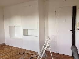 comment faire un placard dans une chambre diy un mur de placards la clamartoise