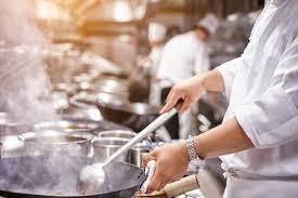 demande d emploi chef de cuisine le chef des cuisines d un grand restaurant empoisonné par un de ses