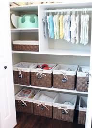 panier rangement chambre b 17 astuces pour aménager ranger décorer la chambre de bébé