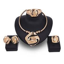 woman necklace holder images Jewelry set best fashion woman jpg