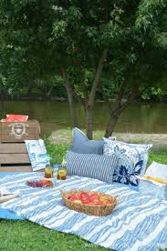 Backyard Picnic Ideas 5 Best Tips For Creating A Memorable Family Picnic Home Stories