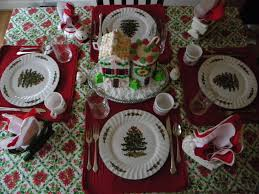 setting a vintage and thrifty christmas tablescape