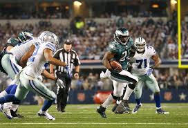 cowboys eagles show differences in approach to thanksgiving