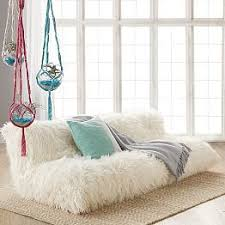 Small Sofa For Bedroom by Best 25 Small Futon Ideas On Pinterest White Futon Futon Chair