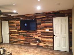 reclaimed wood furniture and wall accent ideas