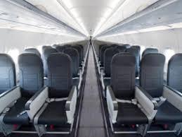 avion air transat siege airbus densifiés pour vueling et air transat air journal