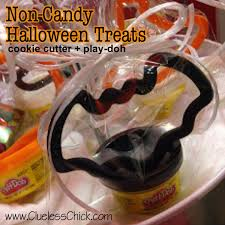 making halloween easy and candy free