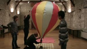 lanterne de sol en papier tpe l u0027envol de notre montgolfière en papier de soie youtube