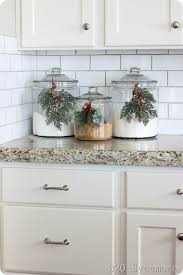 what to put in kitchen canisters 35 in the kitchen décor ideas preppy chic
