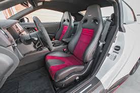 Gtr Nismo Interior 2015 Chevrolet Corvette Z06 Vs 2015 Nissan Gt R Nismo Comparison