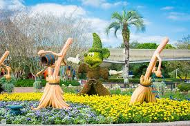 topiary displays at the epcot flower u0026 garden festival