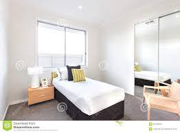 miroir dans chambre à coucher miroir de chambre a coucher con miroir pour chambre ado e chambre