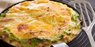 cuisiner du choux vert tartiflette au chou vert facile recette sur cuisine actuelle