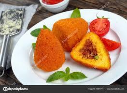 cuisine sicilienne arancini frit arancini sicilien gros plan photographie zhupanova yahoo com