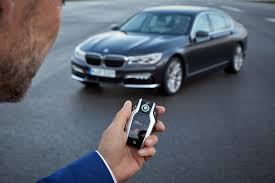 bmw i8 key new bmw 7 series has a super cool key fob with a digital display