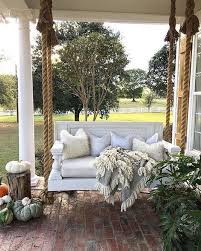 we love this upgrade from a bench swing to a sofa swing looks