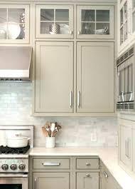 meuble de cuisine à peindre peindre ses meubles en bois repeindre ses meubles de cuisine peindre