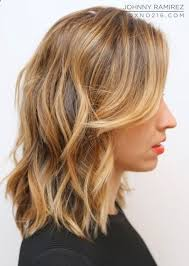 how to style chin length layered hair 23 chic medium hairstyles for wavy hair styles weekly
