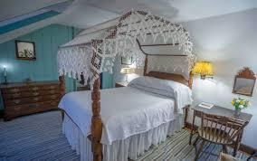 the white swan tavern thomas peacock room