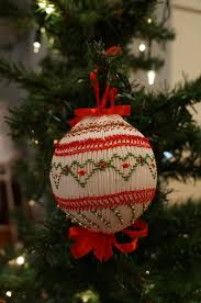 try one of these free smocked ornaments patterns to learn to smock