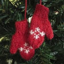 mini mitten ornaments allfreeknitting