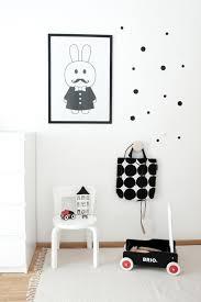 chambre bebe noir enfant en noir blanc