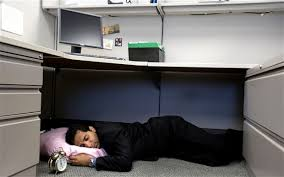 nap desk bosses should allow staff afternoon naps at work to boost