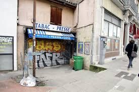 bureau tabac grenoble isère sud un tabac presse attaqué par quatre hommes