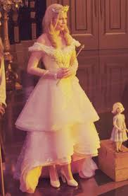 michelle williams oz the great and powerful wallpapers oz the great and powerful images glinda two wallpaper and