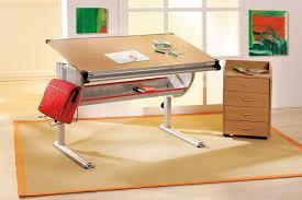 bureau dessinateur bureau enfant table dessinateur en hêtre plato réglable en hauteur