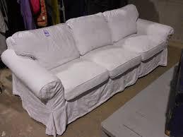canapé shabby chic bric et brol canapé blanc ektorp 3 places très style flamand