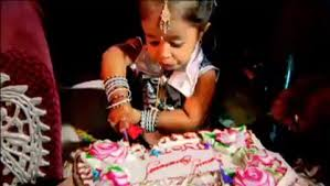 13 Women U0027s Costumes That Really Don U0027t Need To Exist by Indian Declared World U0027s Shortest Woman Jyoti Amge Dreams Of