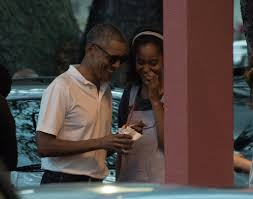 barack obama and malia obama out in hawaii december 2016