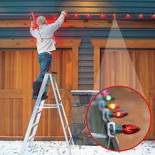 how to hang icicle lights hanging christmas lights the easy way hanging christmas lights how