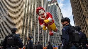 security beefed up for macy s thanksgiving day parade balloon