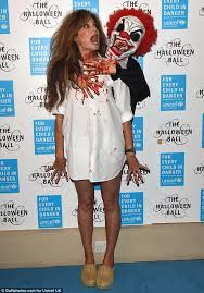 Whats Costume Halloween Jemima Goldsmith Wins Costume Unicef Halloween Ball