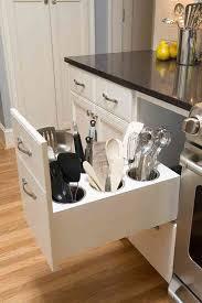 rangement ustensiles cuisine 10 rangements cachés et astucieux que vous aimeriez bien avoir à la