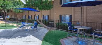 Famsa En Austin Tx by Macarthur Place At 183 Apartments In Irving Tx