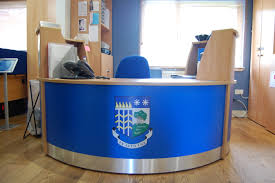 Maple Reception Desk by This Small Flex Polo Reception Desk Was Installed Into A