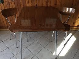 table de cuisine formica table de cuisine formica simple table de cuisine ou bureau en bois