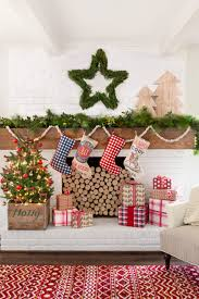 Decorative Wreaths For Home by 100 Country Christmas Decorations Holiday Decorating Ideas 2017