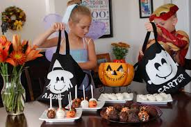 halloween party goodie bags haunting halloween hosting a halloweenhangout party the