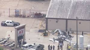 Ace Hardware Locations Houston Tx 3 Killed When Small Plane Crashes Near Hardware Store Khou Com