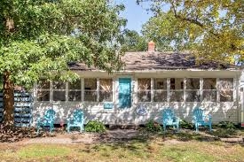 At Home Vacation Rentals - the blue crab cottage u0027 3br home dogs homeaway colonial beach