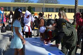 spirit halloween pasadena mira costa students and staff get in the halloween spirit u2013 hs insider
