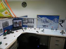 cubicle desk decoration ideas winter http www cpsprofessionals