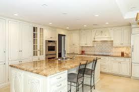 couleur de meuble de cuisine meuble de cuisine cuisine meuble cuisine en pin avec