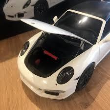 Porsche 911 White - schuco 1 18 porsche 911 carrera gts cabriolet white 450039500
