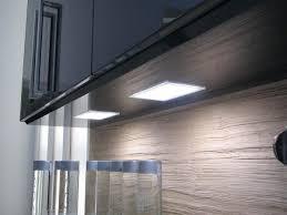 spot cuisine sous meuble luminaire sous meuble cuisine slingindirtracingleague