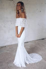 how to pick the right wedding dress for your venue